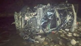 Arequipa: camioneta cayó a un abismo y fallece dos mineros