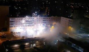 Comisaría fue atacada con fuegos artificiales por cerca de 40 sujetos en París