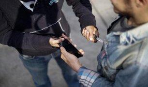 Ladrón es acusado de usar enorme cuchillo para robarle a su víctima en La Victoria