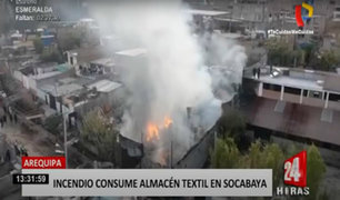 Almacén con productos para elaborar colchones se incendia en Arequipa