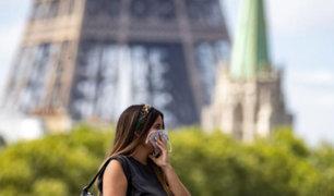 Francia impone toque de queda ante avance del Covid-19