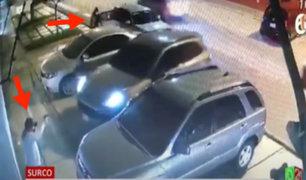 Así logró un conductor de una camioneta moderna escapar de dos delincuentes armados