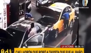 La Victoria: delincuente robó en segundos celular de taxista que fue al baño