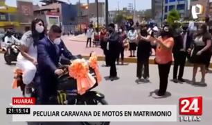 Huaral: peculiar caravana de recién casados en moto