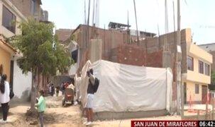 Vecino amplía su vivienda e invade vereda en San Juan de Miraflores