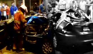Auto choca a 100 km/h contra poste en Ate