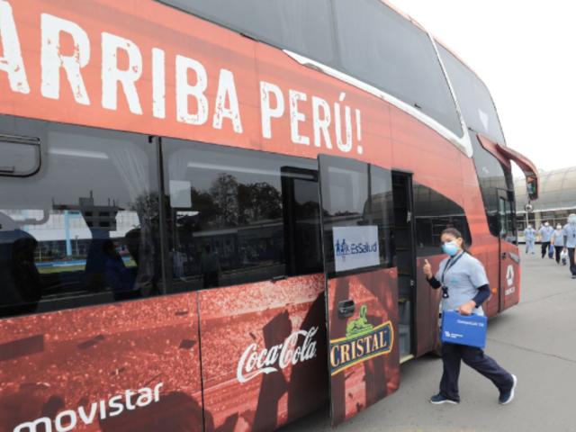 Bus de la selección peruana se convirtió durante 6 meses en el transporte de los profesionales de la salud