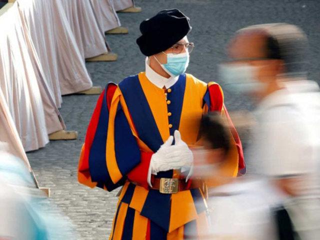 Alarma en el Vaticano por brote de coronavirus entre los guardias suizos