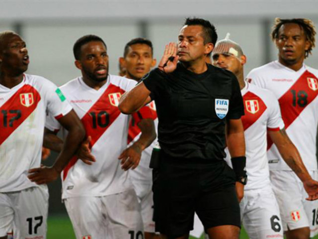 Perú vs. Brasil: reúnen 225 mil firmas para retirarle licencia al árbitro Julio Bascuñán