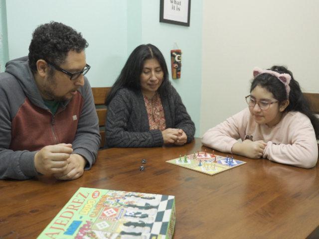 Essalud: Más del 70% de padres mejoró relación con sus hijos durante la pandemia