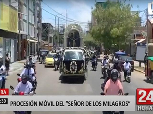 Acompañan procesión móvil del Señor de los Milagros en motocicletas