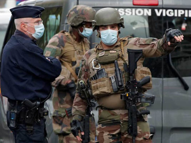 Francia: megaoperativo contra islamistas radicales tras decapitación de profesor
