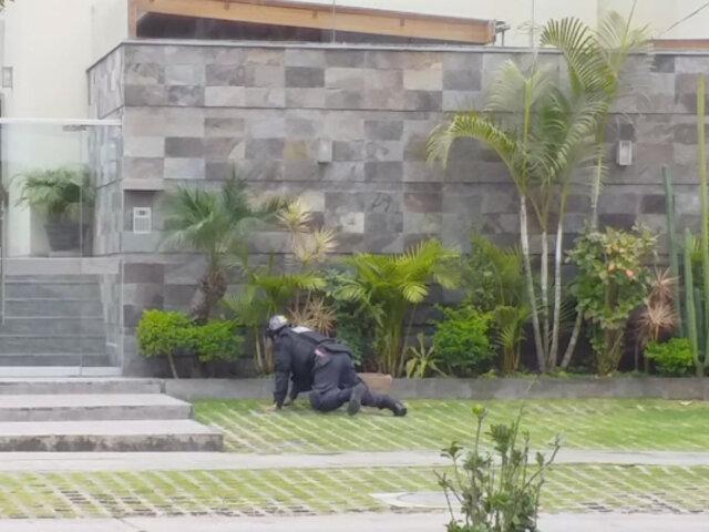 Surco: hallan granada en un jardín y la detonan sin provocar daños
