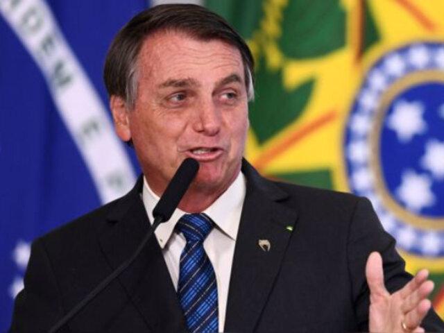 """Vacuna contra el Covid-19 : Bolsonaro advierte que su aplicación """"no será obligatoria y punto final"""""""