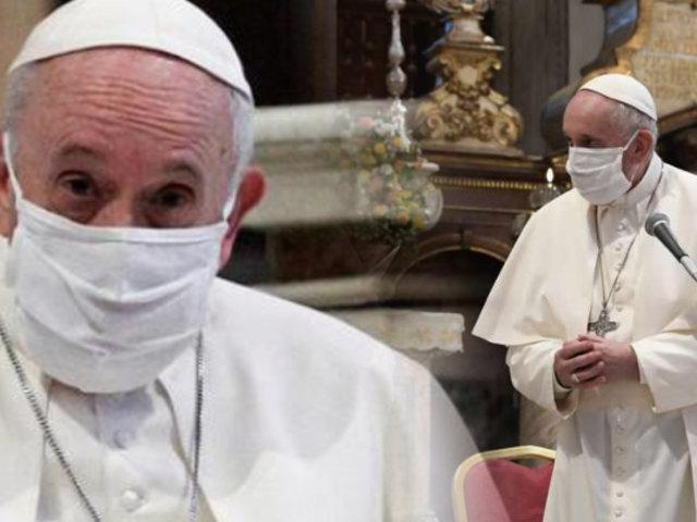 Papa Francisco usa mascarilla en servicio público por primera vez