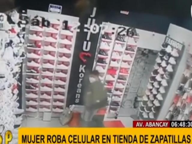 Cercado de Lima: 'tendera' roba en segundos celular en un local de zapatillas