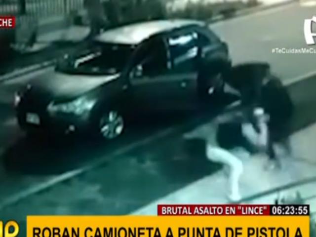 Lince: delincuentes armados asaltan a conductor y le roban camioneta 4x4