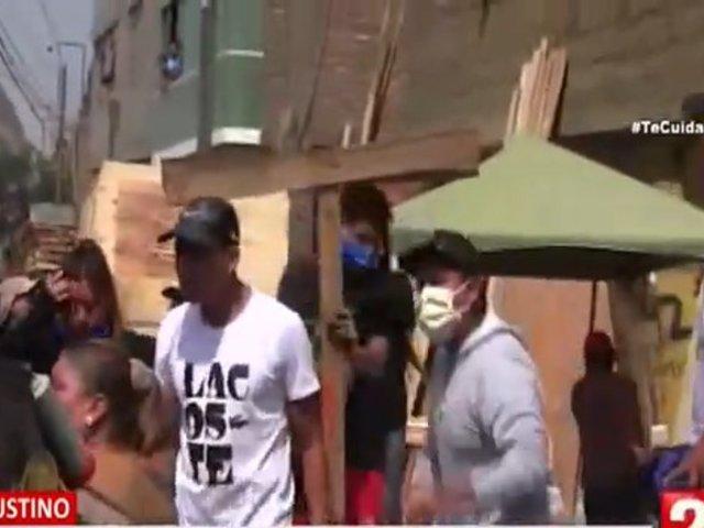 El Agustino: ambulantes se enfrentan a fiscalizadores para impedir desalojo