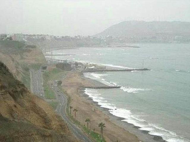 Costa Verde: pese a restricciones por Covid-19 decenas de personas visitan playas