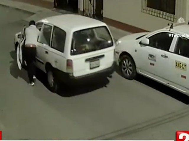 De no creer: ladrones se robaron camioneta a empujones en Surco