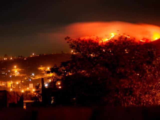 Ayacucho: incendios en Huamanga y Vilcashuamán consumen más de 25 hectáreas