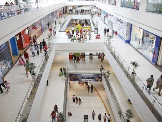 Aclaran que centros comerciales pueden recibir a niños mayores de 12 años y ancianos