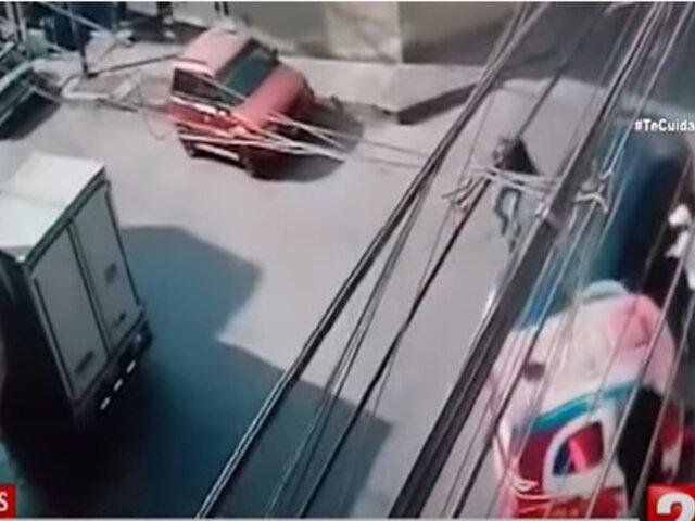 Comas: conductora embistió mototaxi de delincuentes para evitar que le roben su vehículo