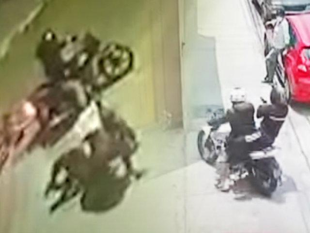 Vecinos aterrados por robos en motos en Chorrillos