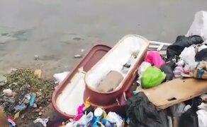 Tumbes: ataúd abandonado junto a la basura desconcierta a vecinos