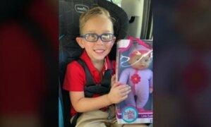"""Niño le pidió a su mamá una muñeca porque quiere ser """"el mejor papá del mundo"""""""