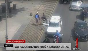 Cercado: imágenes del momento en que dos sujetos roban un taxi en movimiento
