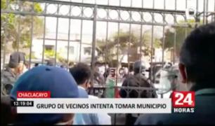 Chaclacayo: vecinos trataron de tomar municipio porque afirman que están abandonados