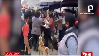 La Victoria: Ambulantes se enfrentan a golpes por un espacio en la vía pública