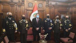 Manuel Merino fue reconocido por el alto mando de las Fuerzas Armadas y la Policía Nacional
