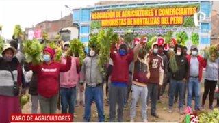 """Agricultores denuncian que no pueden llegar """"Tierra Prometida"""" por falta de espacio"""