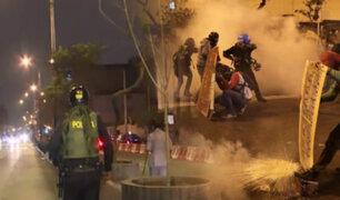 Manifestantes llegan al Congreso tras la muerte de dos jóvenes
