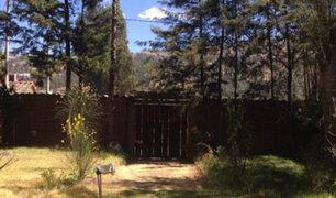 Huancayo: por falta de dinero pareja entierra a su hijo en  jardín de casa