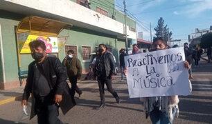 Juliaca: decenas de músicos y artistas marchan exigiendo la reactivación de su sector