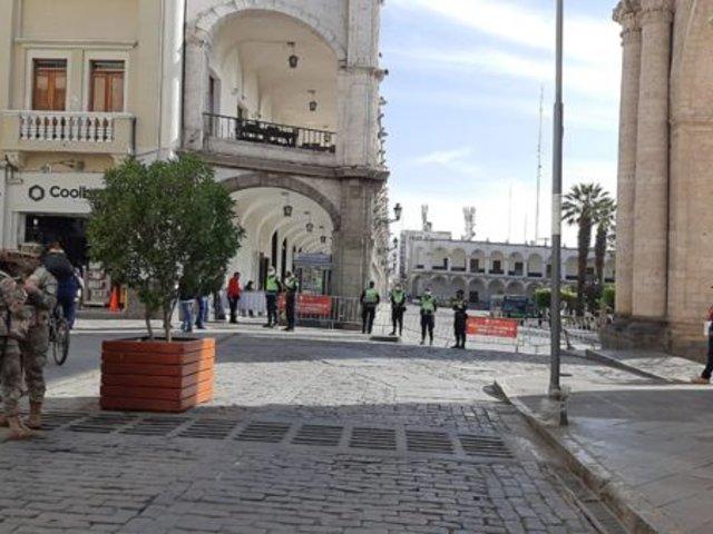 Arequipa: 200 jóvenes fueron multados por celebraciones de Halloween