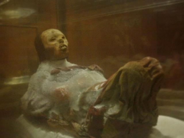 Museo de la momia Juanita reabre sus puertas y exhibe penacho por primera vez