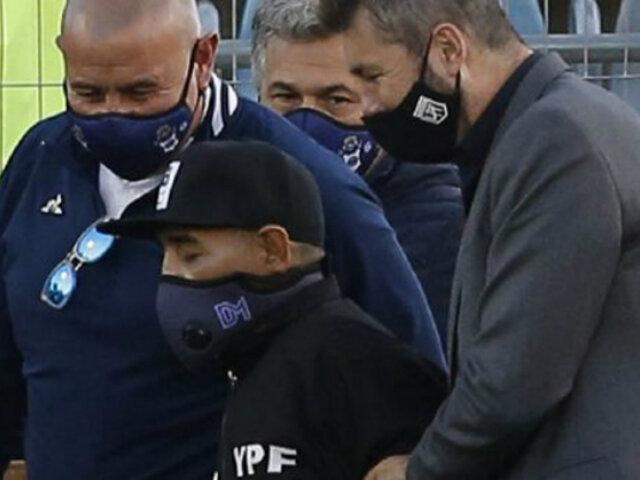 Diego Maradona tiene una hematoma en la cabeza y será operado de urgencia