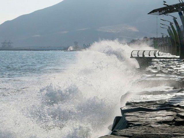 Marina de Guerra advierte oleajes anómalos en todo el litoral hasta el sábado