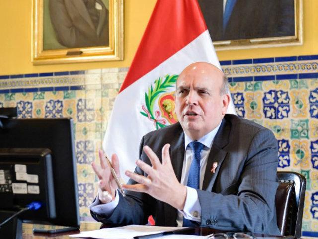 Lapadula: Canciller Mario López niega favoritismo en trámite de DNI