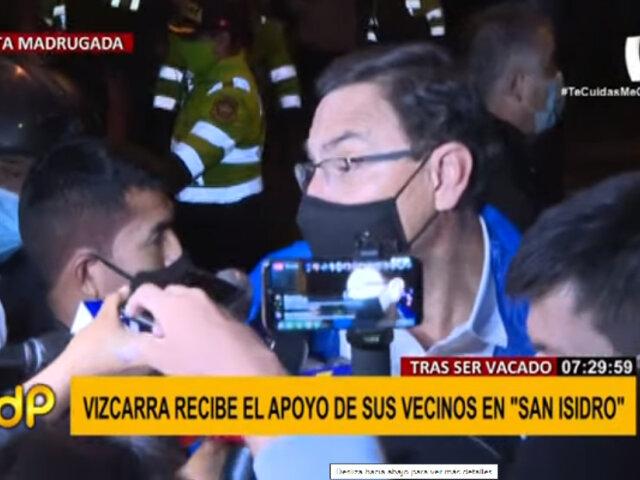 Martín Vizcarra fue recibido por sus vecinos en San Isidro
