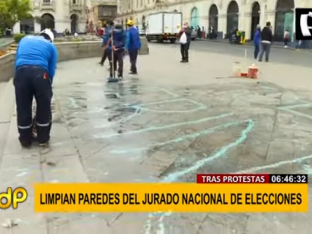 Trabajadores de la MML iniciaron limpieza en la Plaza San Martín