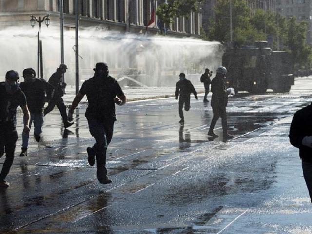 Chile: cientos de manifestantes exigen la renuncia del presidente Sebastián Piñera