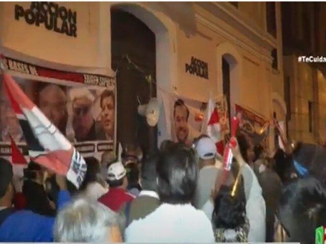 Militantes realizaron plantón frente a local de Acción Popular
