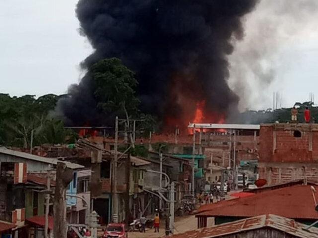 Incendio consume decenas de viviendas y locales comerciales en Madre de Dios