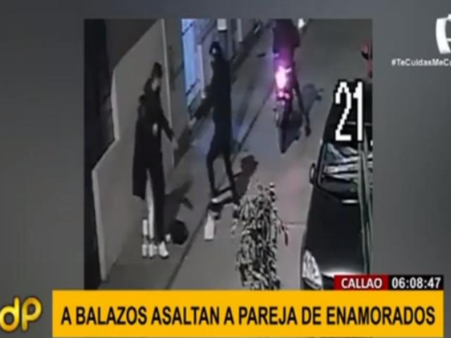 A balazos asaltan a enamorados en calle del Callao