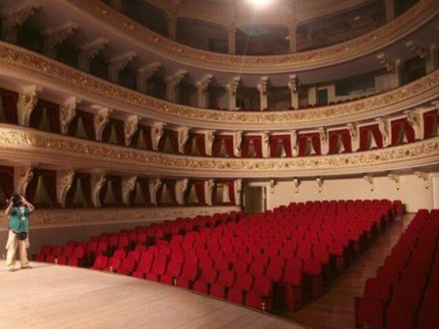 Gobierno evalúa reapertura de teatros con aforo reducido